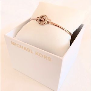 NWT authentic MK rose gold tone logo bracelet